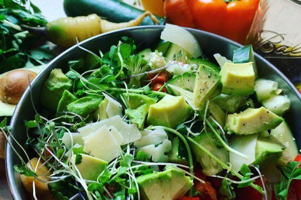 Avocado vegetable bowl