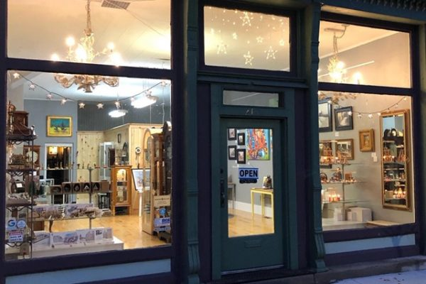Heirloom Clock Sales/Service & Fine Art Gallery storefront in Auburn
