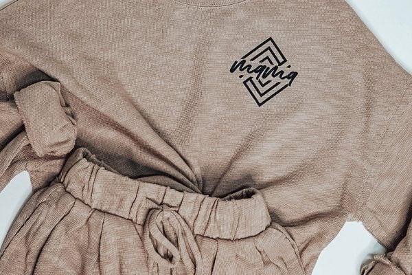 """Clothing shirt and shorts set that says """"Mama"""""""